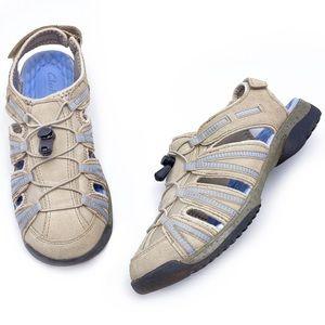 Clarks 9M Beige Suede Sport Sandals 13291